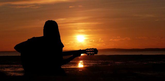 ヴェゼル2019のCM曲を歌う女性は誰?ロケ地の場所やナレーションも紹介