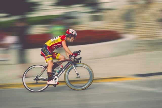 MIU404星野源かっこいい赤い自転車のブランドはどこ?値段や売っている場所を紹介?